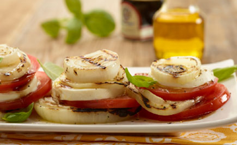 Vidalia Onion and Vine Ripe Caprese Salad